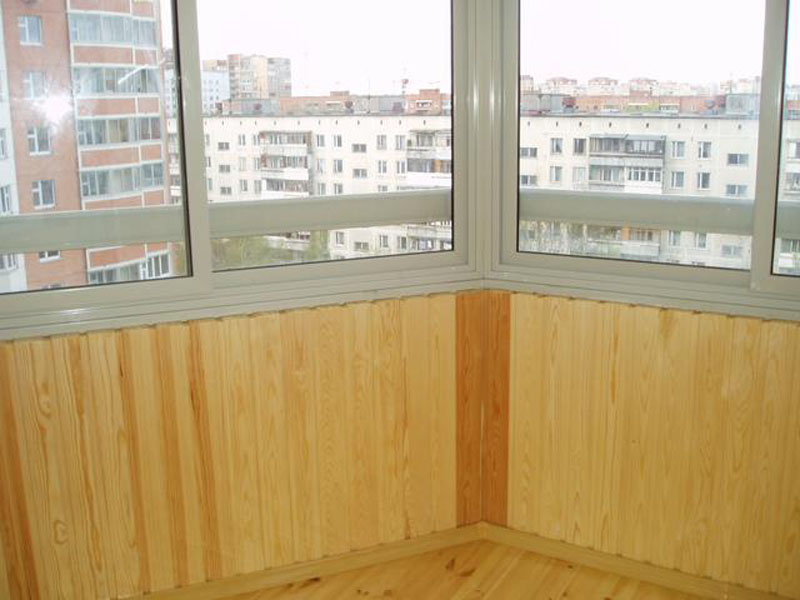 Деревянная и пластиковая вагонка для балкона: как выполняетс.